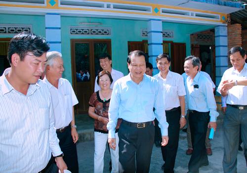 Phó Thủ Tướng VŨ VĂN NINH đến thăm Trại gà đông tảo KIỀU HOA