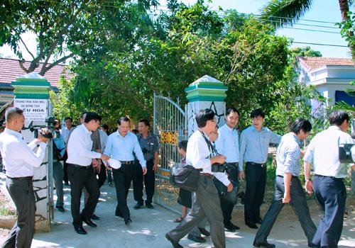 Phó Thủ Tướng VŨ VĂN NINH thăm Trại Gà Đông Tảo KIỀU HOA